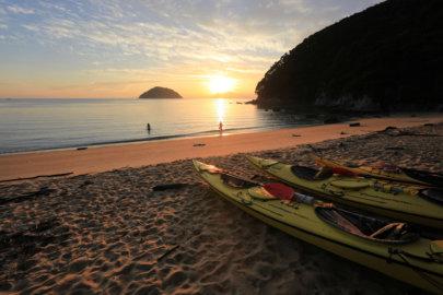 Abel Tasman Onetahuti Sunrise